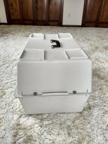Portable Cat & Plastic with Chrome Crate Pet Carrier Box