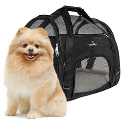 pet carrier dogs